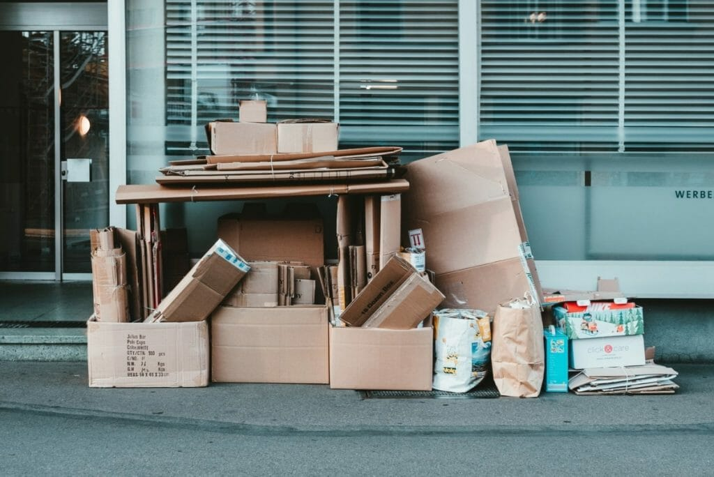 Cardboard boxes that can be used for moving house