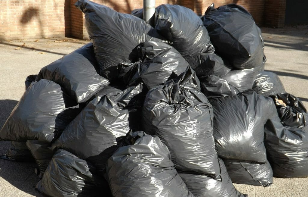 Rubbish bags you can put in a skip